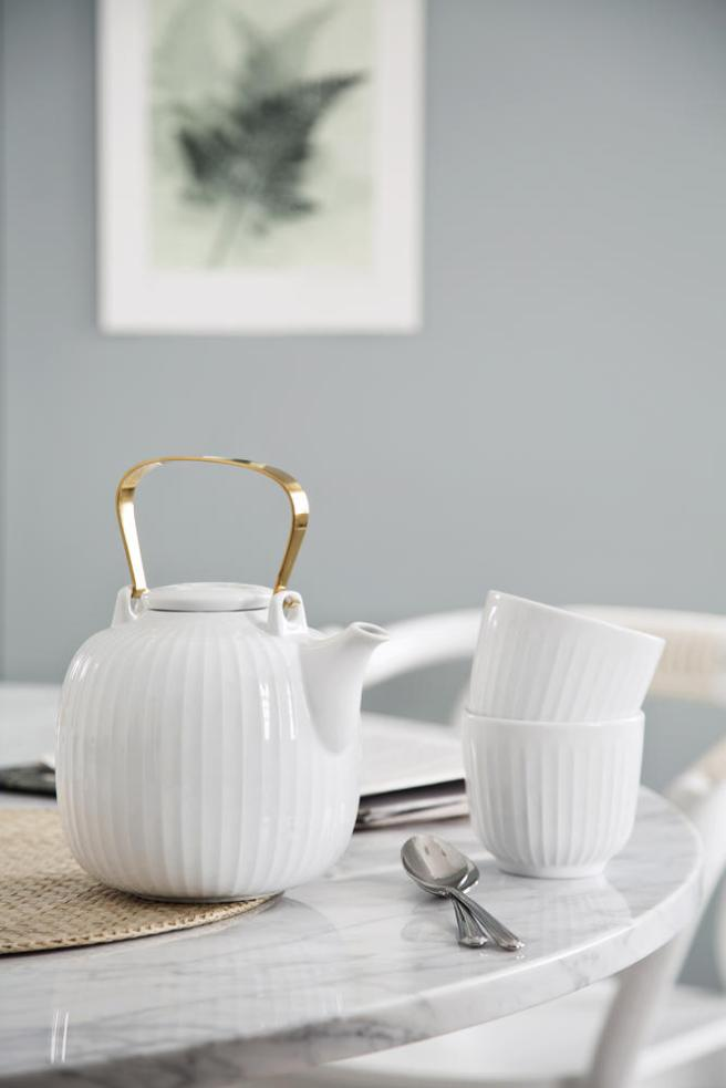 hh_teapot_cups_white_low-resolution-jpg_323418