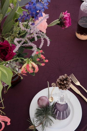 Georg_Jensen_Damask_FINNSDOTTIR_tablecloth_Winetasting_interior_close-up