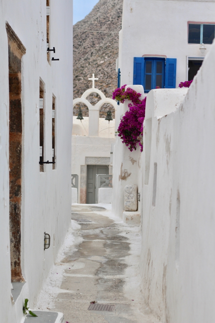 Labyrintbyen Emborio: en turistfri sone påSantorini