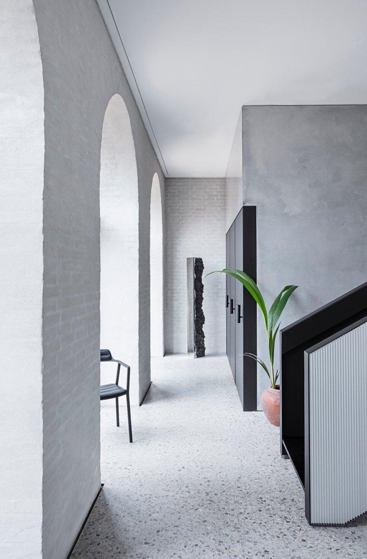 ChimneyHouse-Hallway01-kopi